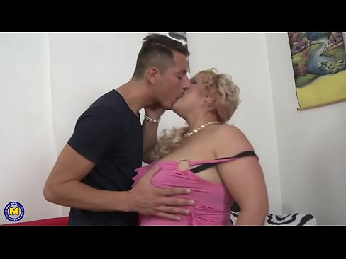 Big Breasted Bbw Fucking And Sucking