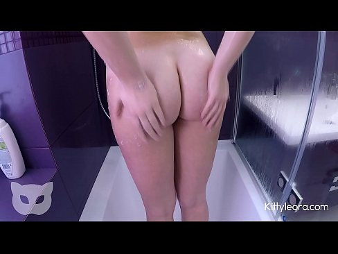 Awesome Sex With My Teen Stepsister In Parents Bathroom - Kitty Leora