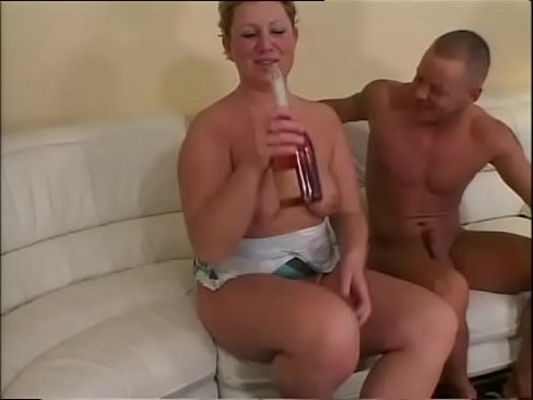 Sexy And Hot Chubby Women Legs Wide Open Vol. 16