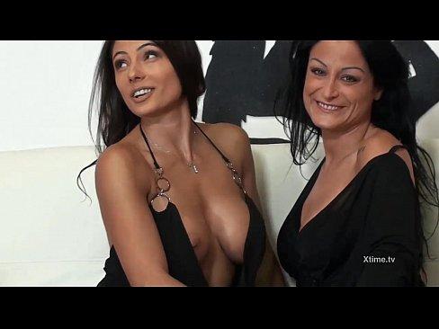 Lesbian Live Sex Show Of Amazing Italian Brunettes
