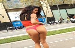 Big Butt Latina Shows Ass In Public