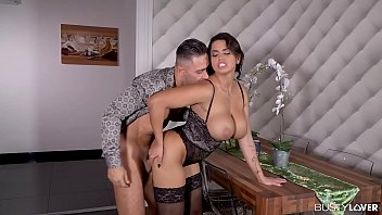 Milf Loved In The Pussy And Sprinkled On The Breasts With Freedom